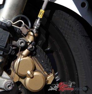 1987-Suzuki-GSX-R1100-Racer-Bike-Review-HMC-1033